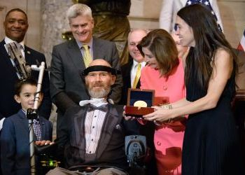 Steve Gleason receives Congressional Gold Medal: 'The problems we face are our opportunity'